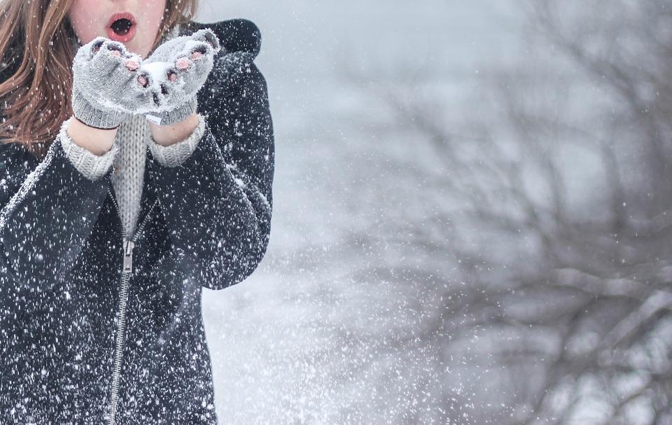 Kvinde i sne