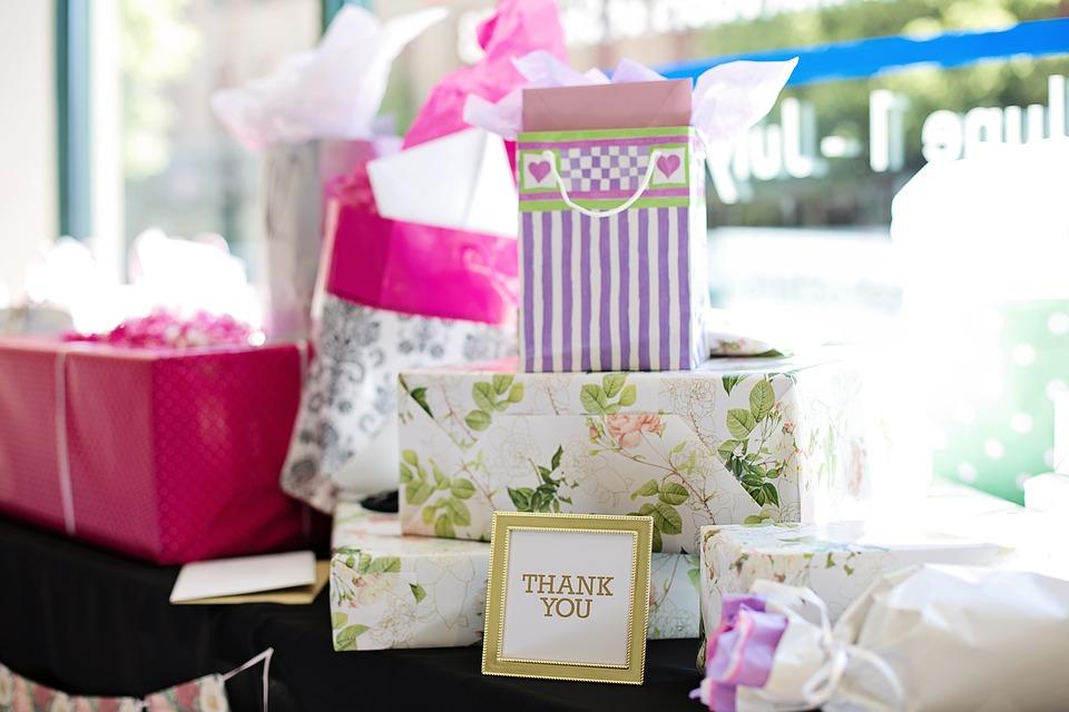 At finde den perfekte gave til brudeparret