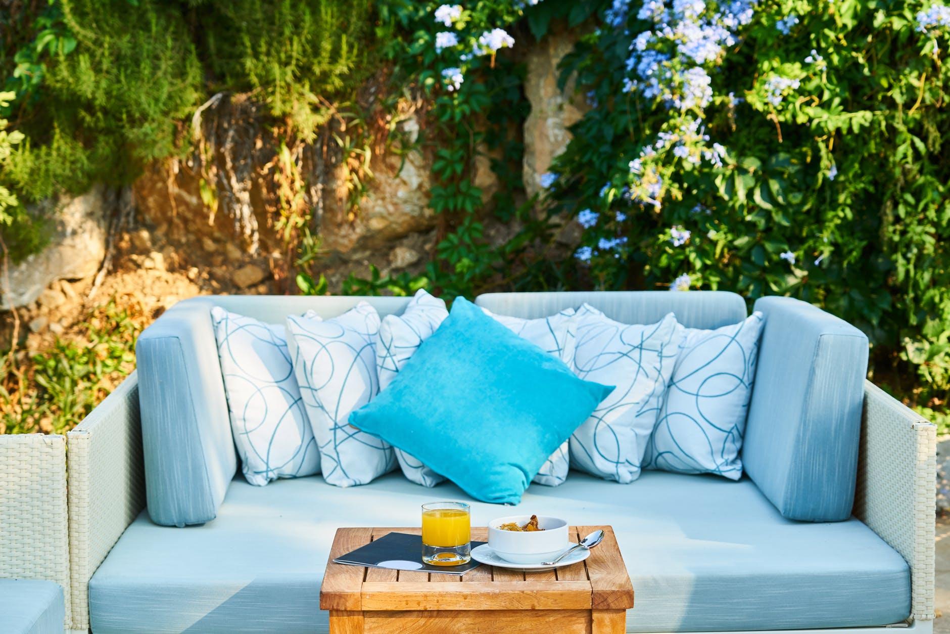Sofa i haven
